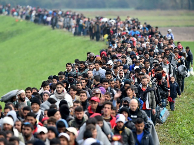 Thousands of Muslim Refugees Suddenly Flocking to Jesus | CBN.com (beta)